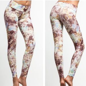Onzie Mariposa Long Leggings
